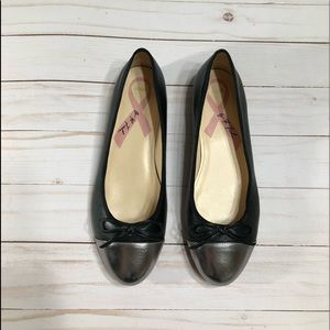 Marc Fisher Jodi flats. Black and silver size 6M